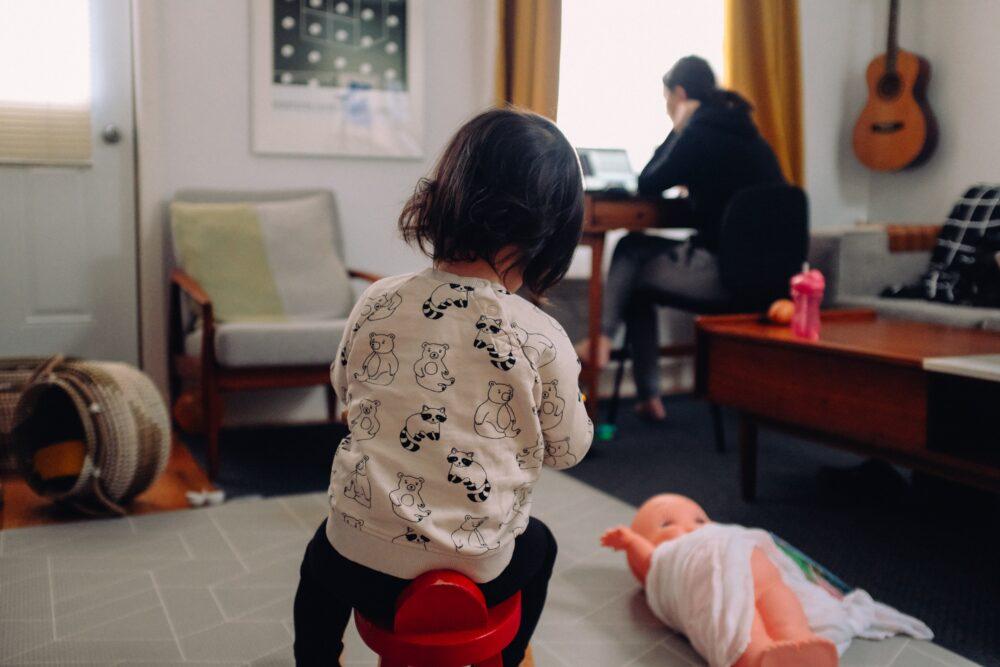 Mães: 5 maneiras para mulheres empreenderem online